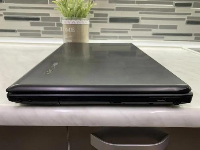 Laptop Lenovo G780 (Display 17.3 Inch, Intel i3-240GHz, Ram 6GB, HDD 750 GB) - 4